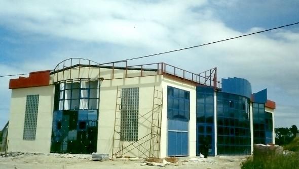 Fabricación y montaje e estructuras y cubiertas metálicas para naves industriales en Tapia de Casariego