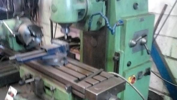 Fresadora - Trabajo del metal en Tapia de Casariego - Asturias